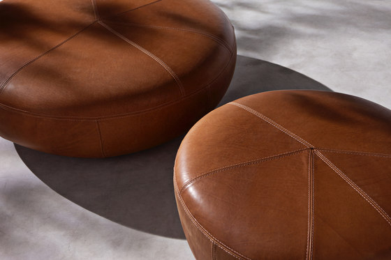 10th Clove Pouf by Exteta | Poufs