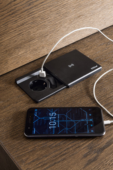 EVO battery charger by Presotto | Smart phone / Tablet docking stations