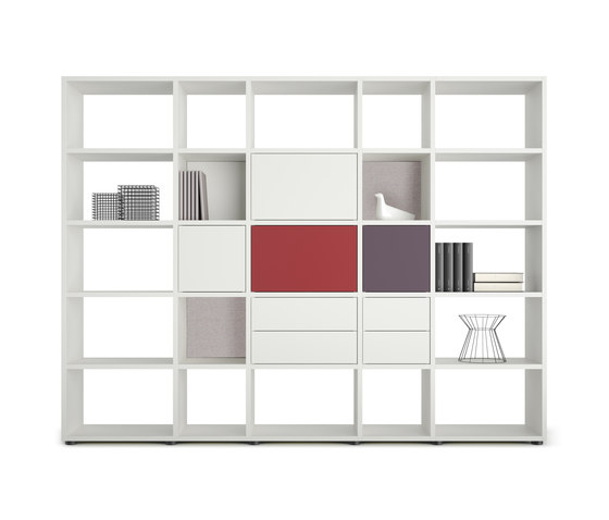 basic view Shelf system de werner works   Étagères