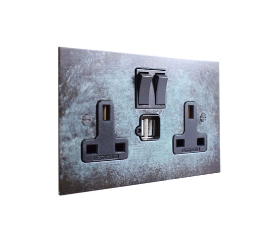 Verdigris double 13amp socket with USB di Forbes & Lomax | Prese inglesi
