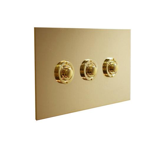 Unlacquered Brass three gang button dimmer di Forbes & Lomax | interuttori pulsante