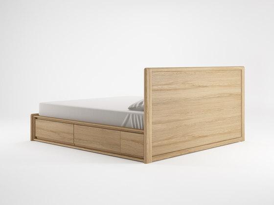 Circa17 EUROPEAN KING SIZE BED  SOLID HEADBOARD di Karpenter | Testiere di letto