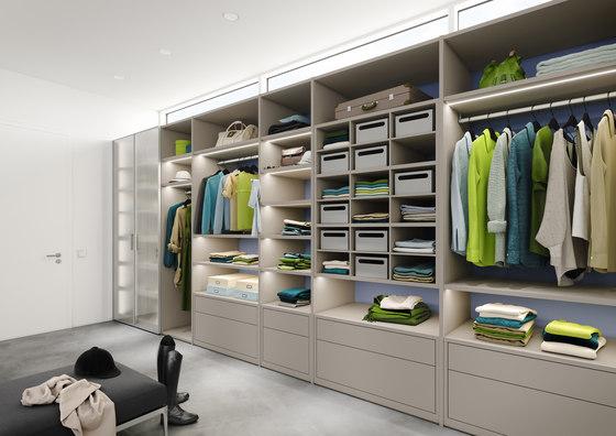 Ecoline interior system Walk-in-closet di raumplus   Cabine armadio