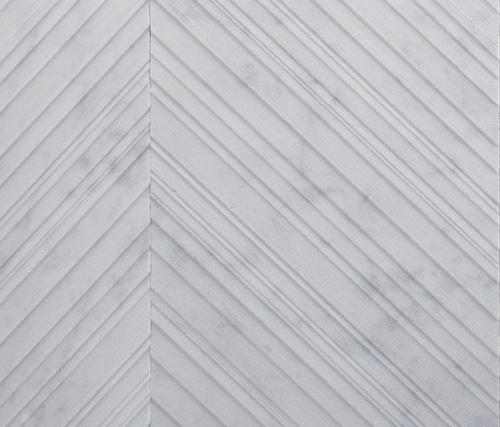 Chevron | Bianco Carrara di Salvatori | Lastre pietra naturale