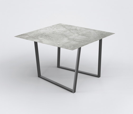 Dritto Dining Table 120 x 120 cm de Salvatori | Tables de repas
