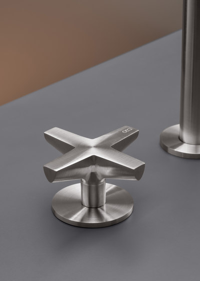 Cross CRX04 by CEADESIGN | Wash basin taps