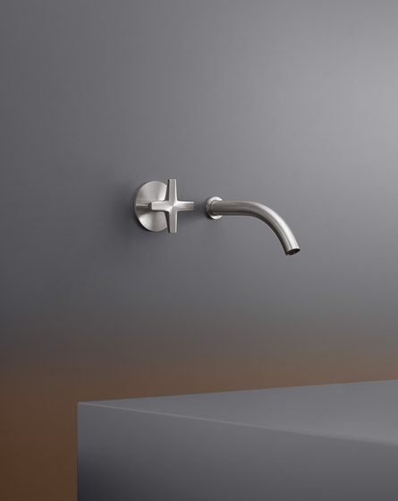 Cross CRX08 by CEADESIGN | Wash basin taps
