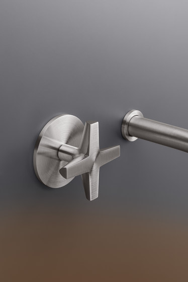 Cross CRX16 by CEADESIGN | Wash basin taps