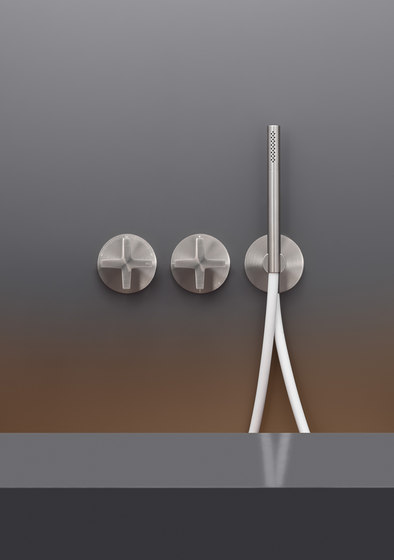 Cross CRX20 by CEADESIGN | Shower controls