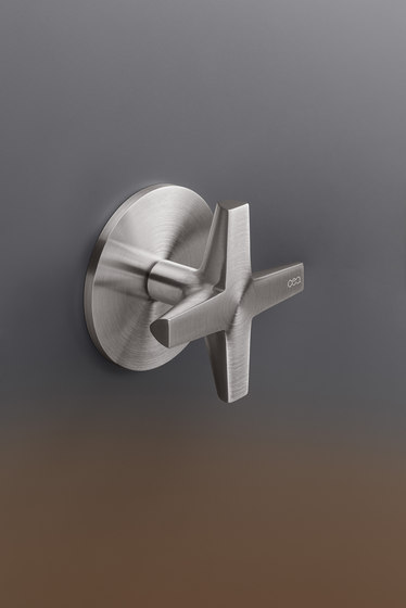 Cross CRX36 by CEADESIGN | Shower controls