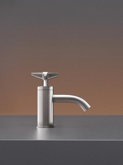 Cross CRX41 by CEADESIGN   Wash basin taps