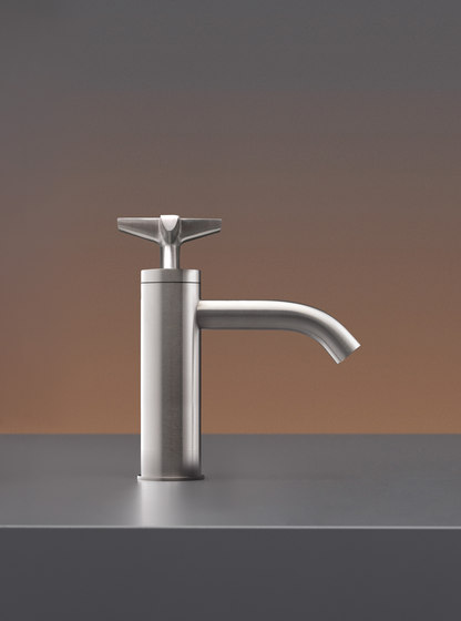 Cross CRX43 by CEADESIGN | Wash basin taps