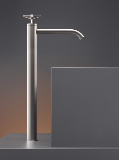 Cross CRX46 by CEADESIGN | Wash basin taps