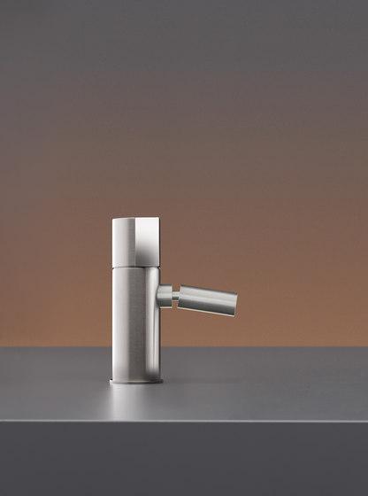 Duet DET01 by CEADESIGN   Wash basin taps