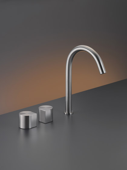 Duet DET13 by CEADESIGN | Wash basin taps