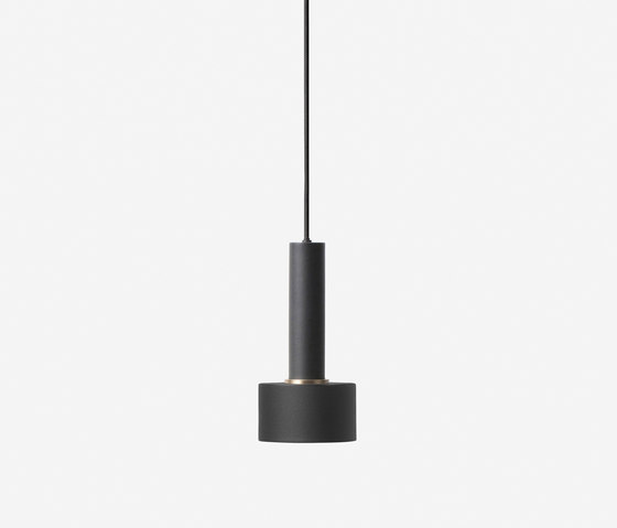 Socket Pendant High - Black   Disc Shade - Black de ferm LIVING   Suspensions