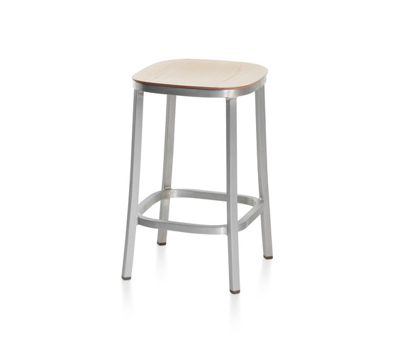 1 Inch Counter Stool de emeco | Tabourets de bar