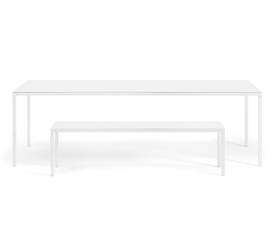 Helsinki 35 Outdoor table & bench by Desalto | Dining tables