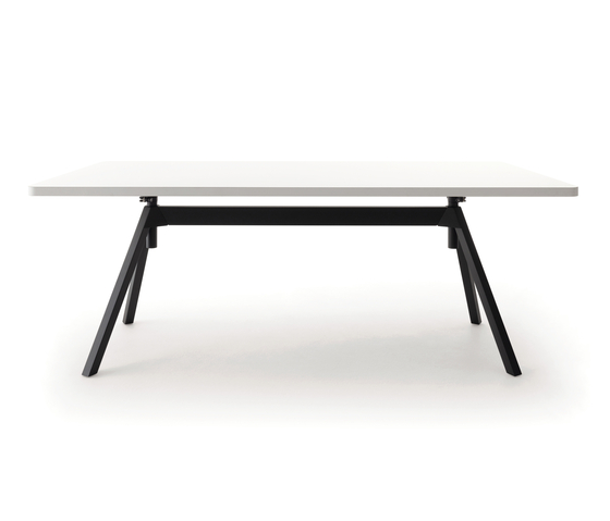 Level table, height-adjustable by COR | Contract tables