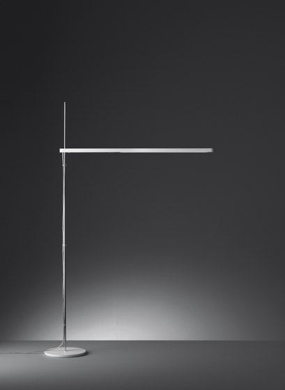 Talak Professional Reading Floor by Artemide | Free-standing lights