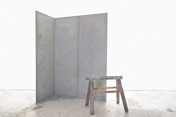 dade  PANEL concrete herringbone de Dade Design AG concrete works Beton | Fabricaciones a medida