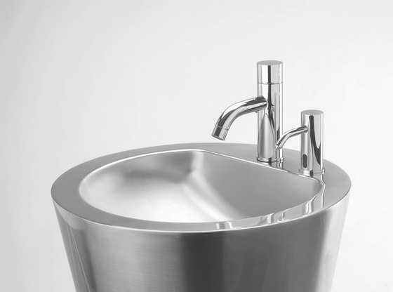 Extreme 1000 LF by Stern Engineering | Wash basin taps