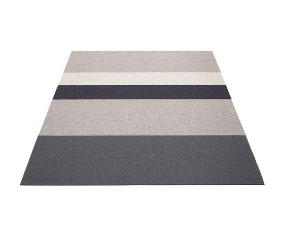Teppich Stripe 4 von HEY-SIGN | Formatteppiche