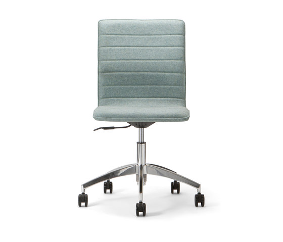 Conference base 106 by Torre 1961 | Chairs