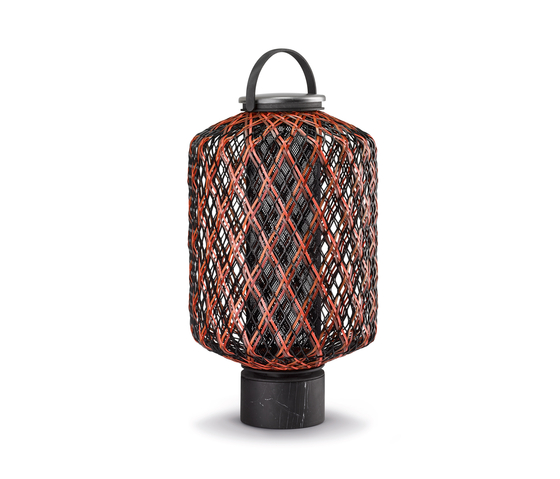 The Others Lanterna L di DEDON | Lampade outdoor pavimento