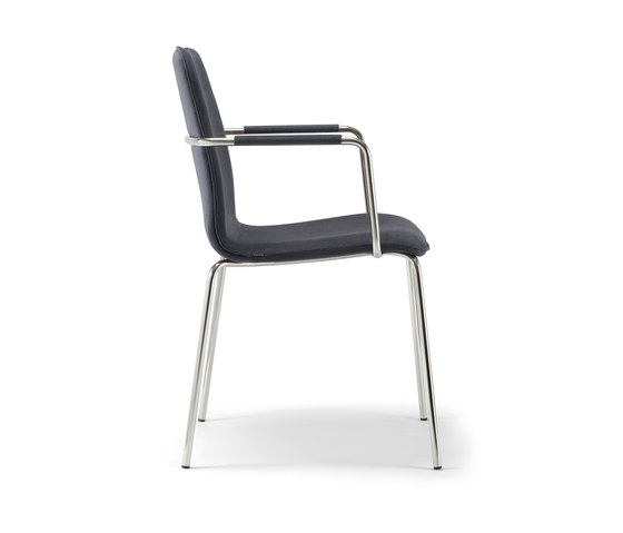 Isabel-04 base 113 by Torre 1961 | Chairs
