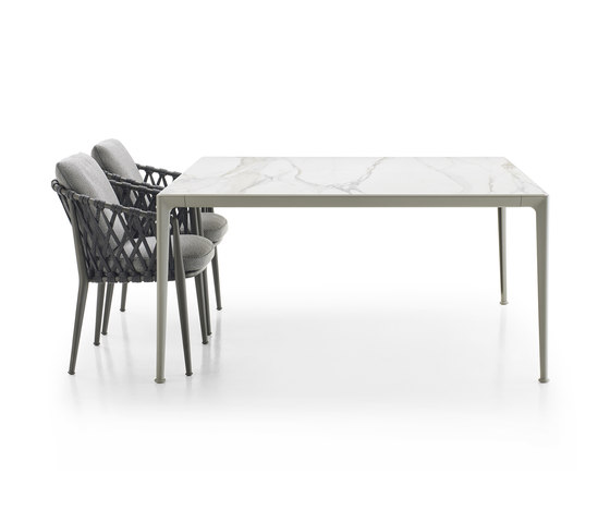 Mirto Outdoor by B&B Italia | Dining tables
