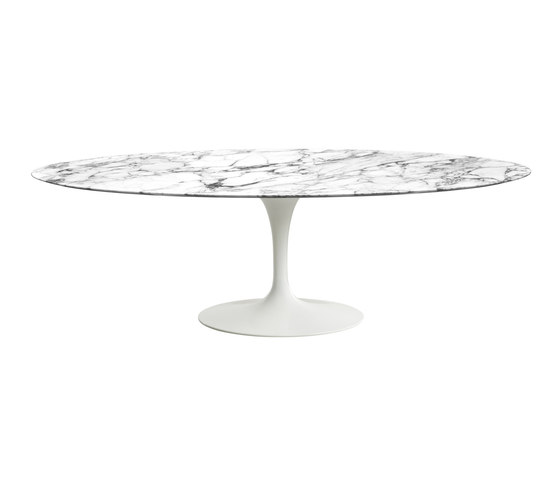 Saarinen Dining Table Oval de Knoll International | Tables de repas