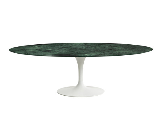 Saarinen Dining Table Oval de Knoll International | Tables de repas