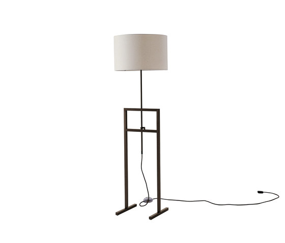 Leukon Accessories by Maxalto | Free-standing lights