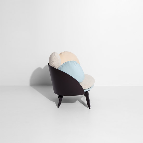 Nubilo | Colors Armchair by Petite Friture | Armchairs