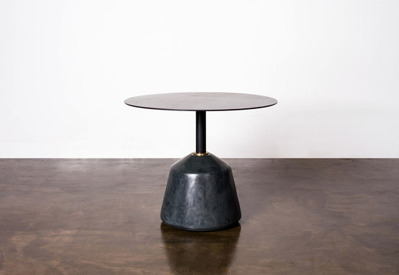 Exeter side table low di District Eight | Tavolini alti