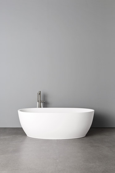 Hole Bathtub by Rexa Design | Bathtubs