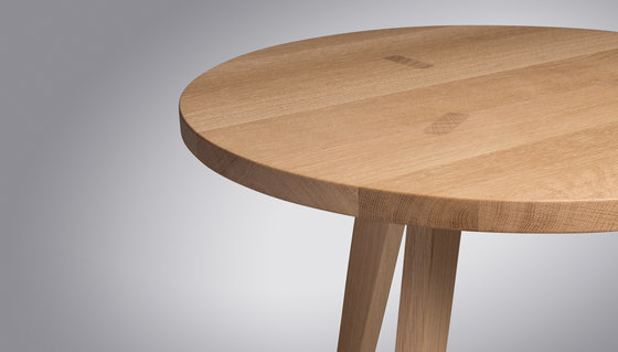 Sennhaus | Table Sennhaus Round by Schmidinger Möbelbau | Dining tables