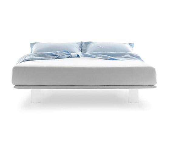 Filo platform bed by Pianca   Beds