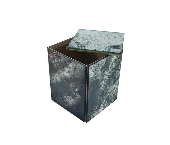 Container 37. de Antique Mirror | Contenedores / Cajas