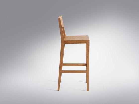 Steiner | Bar stool Lapiz di Schmidinger Möbelbau | Sgabelli bancone