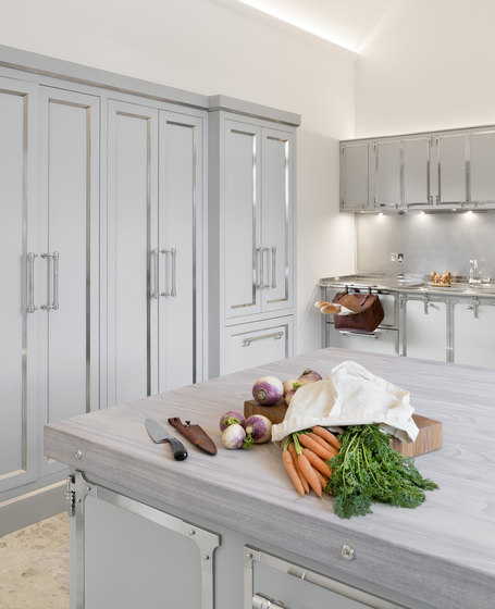 TAILOR MADE KITCHENS | SOFT GREY & SATIN NICKEL KITCHEN by Officine Gullo | Fitted kitchens