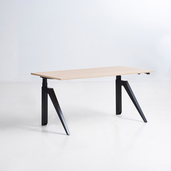 Cabale Desks di Holmris B8 | Tavoli contract
