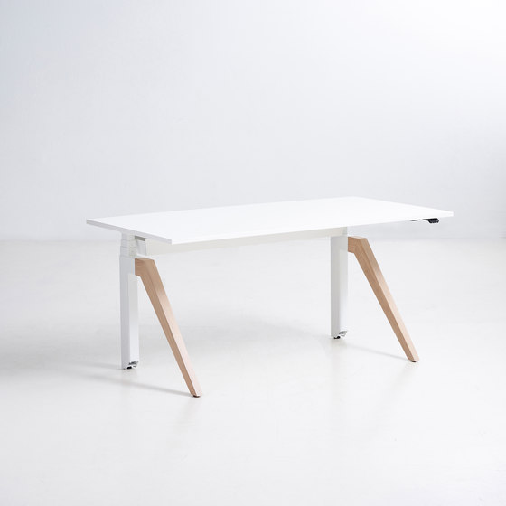 Cabale Desks by Holmris B8 | Contract tables