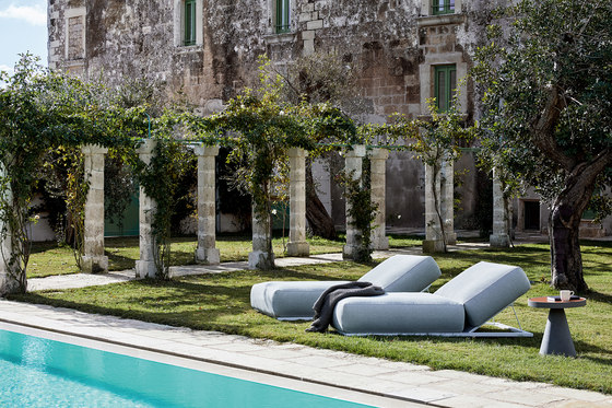 Claud Relax Lounge Bed by Meridiani | Sun loungers