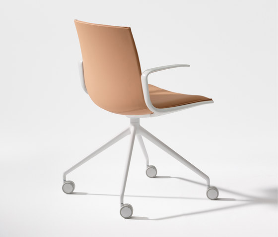 Catifa Up by Arper | Chairs