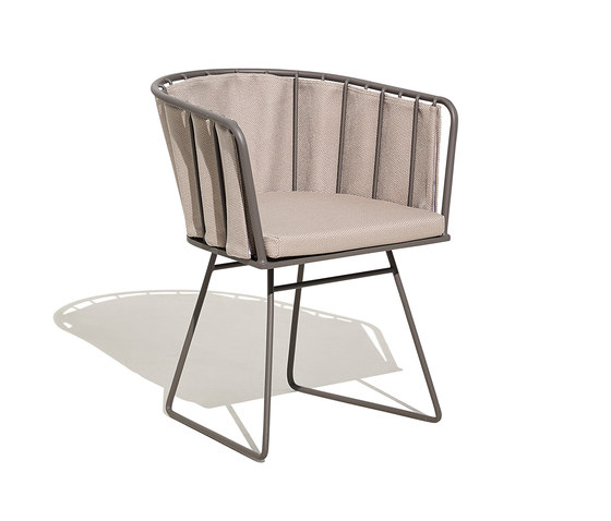 Illa armchair with pad cushion by Bivaq | Chairs