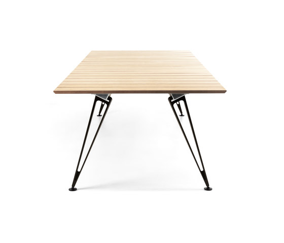 Attach | Outdoor by Lammhults | Dining tables
