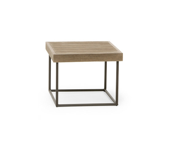 Allaperto Mountain Square coffee table by Ethimo | Side tables