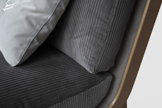 1745 sofa von Tecni Nova | Sofas